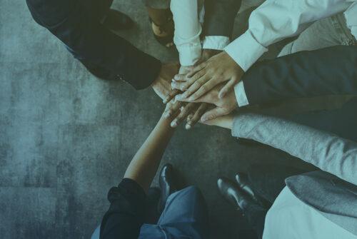 Persone unite nella collaborazione